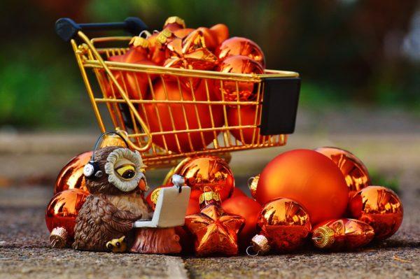 пазаруване по коледните празници