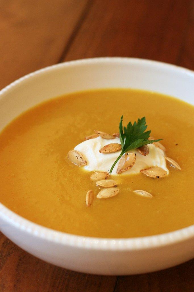 тиквена супа с къри