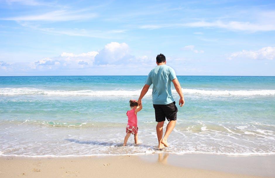 татко и аз на море