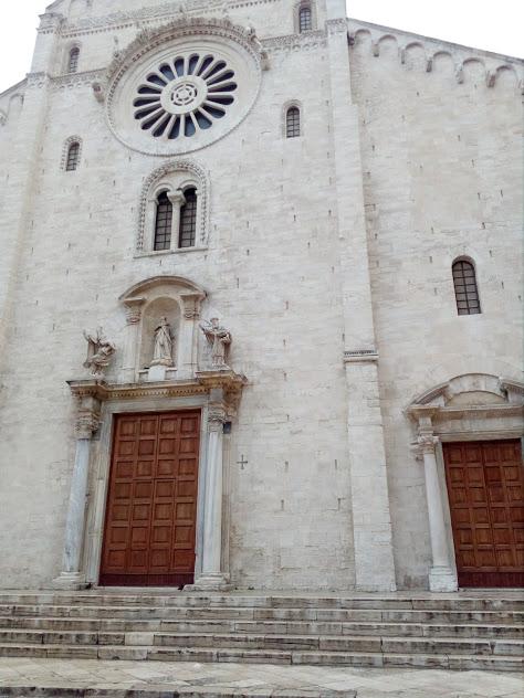 базиликата свети никола в Бари