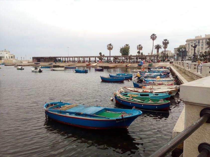 пристанището в Бари
