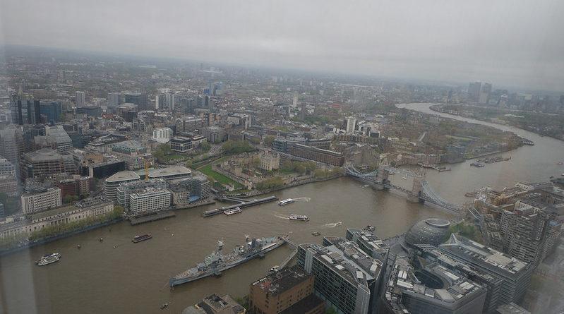 Лондон и Темза от високо