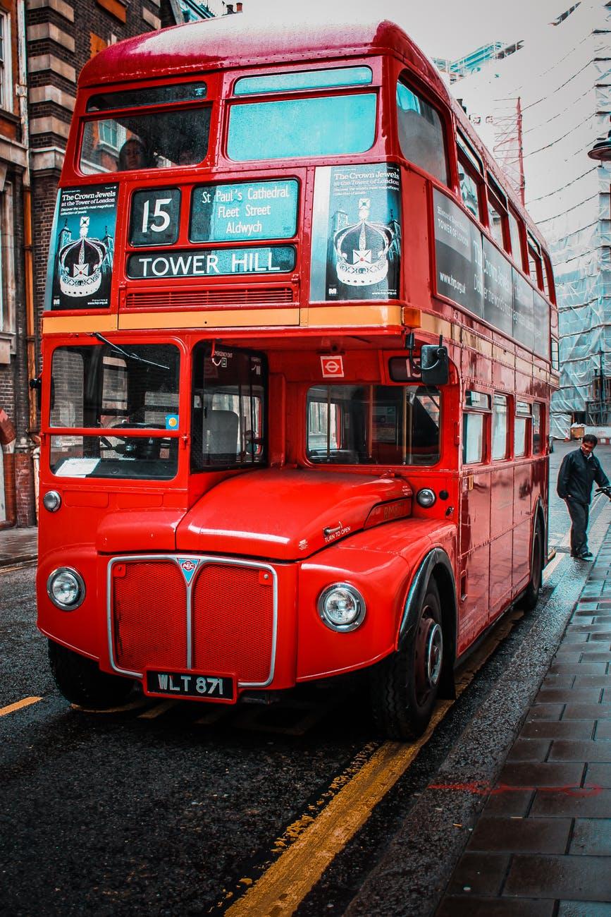 червен автобус Лондон