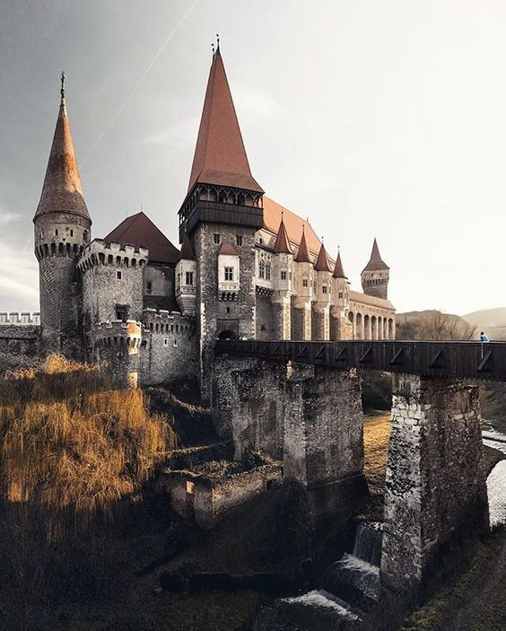 Замъкът Корвин Румъния