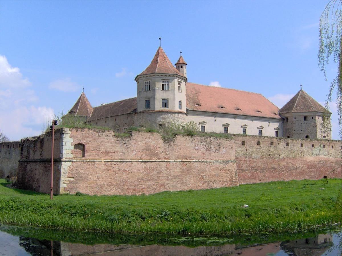 замъци в Румъния