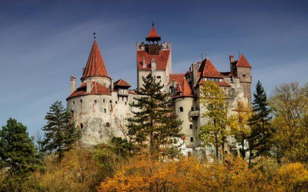 замъкът Бран отвън