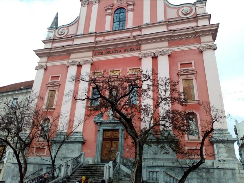 Розовата църква