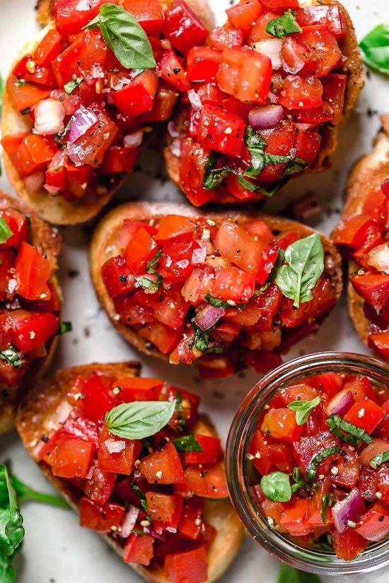 рецепта за брускети с домати и босилек