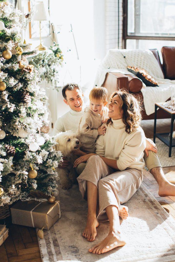 семейна Коледа у дома